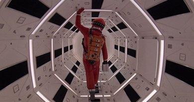 2001 POR - 2001 : Una odisea del espacio. El amanecer de la CF