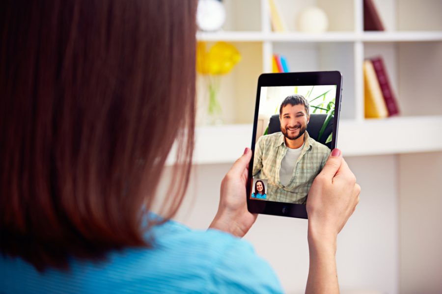 Estudio demuestra que las parejas formadas en plataformas online se separan menos