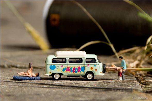 Sexo y diversión junto a la furgo de la libertad. Foto: Mr. Peluche.