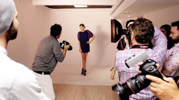 Taller de fotografía de moda durante el día del orgullo fotográfico del año pasado en la escuela Too Many Flash.