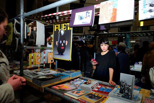 Un stand en la feria Libros Mutantes. Foto: Roberto Villalón.