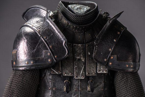 Una de las armaduras utilizadas en la serie. Foto cortesía de Canal +