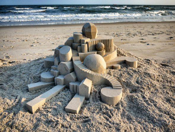 Uno de los castillos de arena del escultor estadounidense Calvin Seibert.