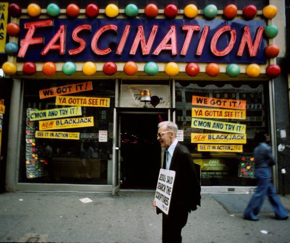 Cercanías de Times Square. Fotografía: Steven Siegel.