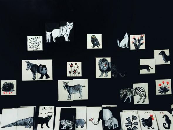 Los animalillos de Daniela Martagón ya colgados en la galería Mad is Mad.