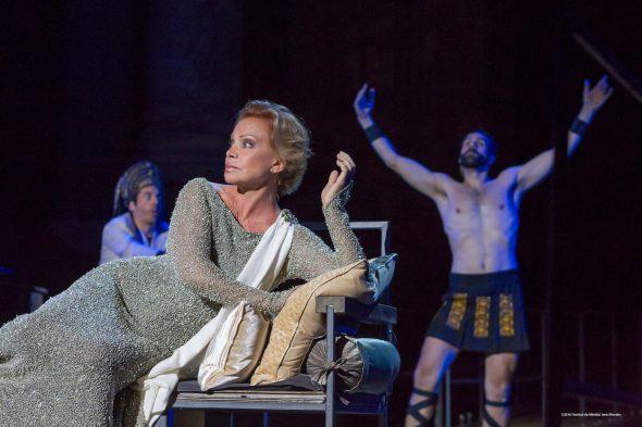 """""""La décima musa"""", un espectáculo protagonizado por Paloma San Basilio. Foto/ jero MOrañes"""
