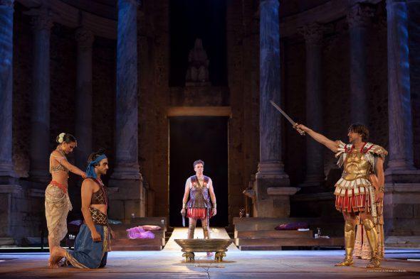 Representación de Alejandro Magno en el Festival de Teatro Clásico de Mérida. Foto: Jero