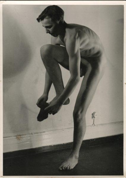 Desnudo masculino. Anónimo de los años 50.