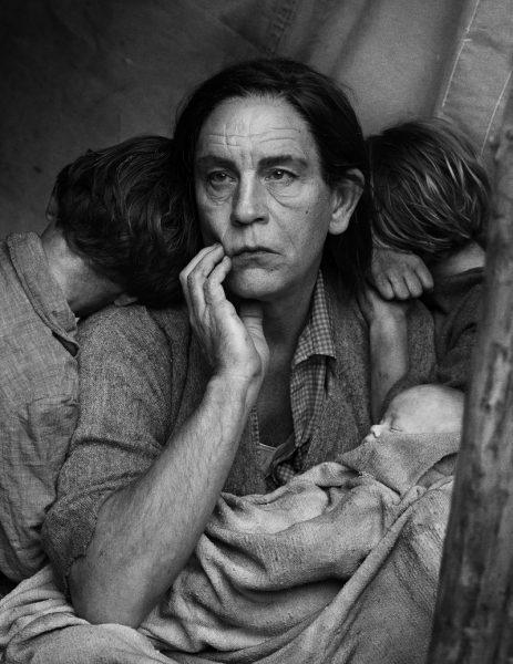 Malkovich como la madre inmigrante que fotografió en 1936 Dorothea Lange. Foto: Sandro Miller.