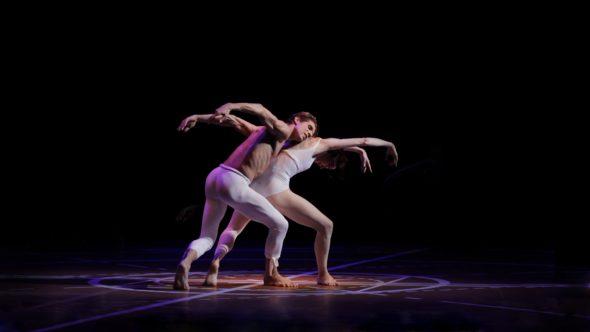 Dos fotogramas de 'Dancing Beethoven' de Arantxa Aguirre.