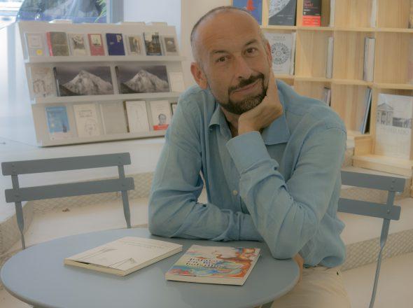 El escritor y periodista Javier Expósito.