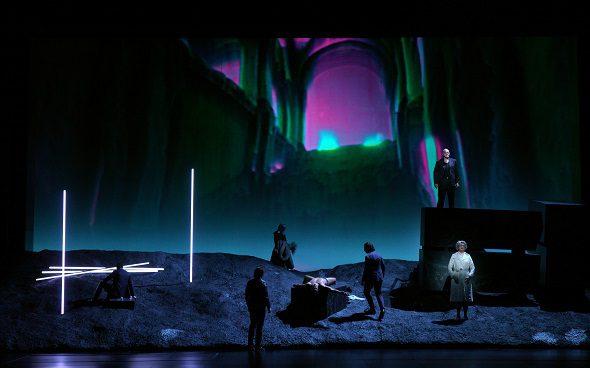 Bomarzo cuenta con dirección musical de David Afkham; dirección de escena de Pierre Audi y escenografía e iluminación de Urs Schönebaum. Foto: Javier del Real.
