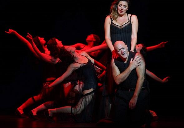 El tenor John Daszak y la mezzosoprano Milijana Nikolic en la ópera Bomarzo de Alberto Ginastera. Foto: Javier del Real.