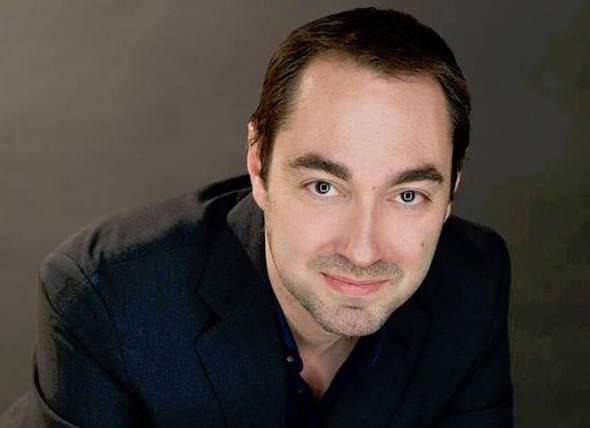 El escritor Fernando J. López.
