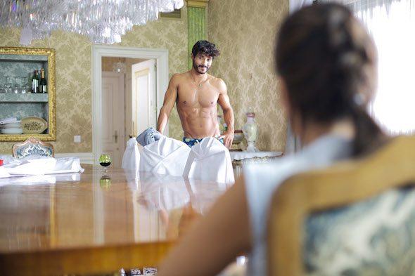 Un fotograma de la película 'Como la espuma' de Roberto Pérez Toledo.
