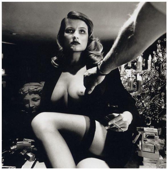 Desnudo femenino. Foto: Helmut Newton.