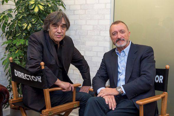 El director de cine Agustín Díaz Yanes y el escritor Arturo Pérez Reverte.