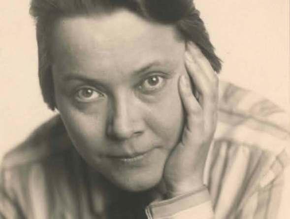 Retrato de Asja Lacis.