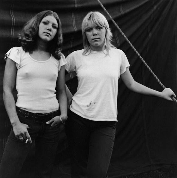 Susan Meiselas. Estados Unidos. Rockland, Maine. 1972. Debbie and Renee. Foto: Susan Meiselas / Magnum Photos, 2017.