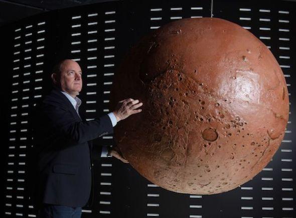 El astronauta Scott Kelly en la exposición 'Marte, la conquista de un sueño' en el Espacio Fundación Telefónica.