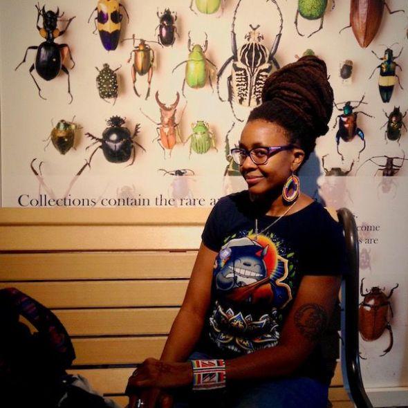 La escritora Nnedi Okorafor, autora de Binti.