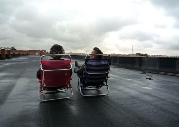 Néstor y Fran en la azotea de Zapadores.