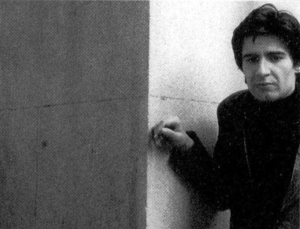 Eduardo Haro Ibars en la portada del libro 'Los pasos del caído' de la Editorial Anagrama.