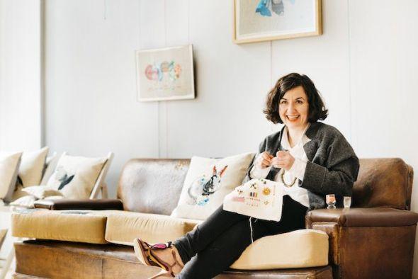 La artista Yolanda Andrés fotografiada en su estudio. Foto: Lucía M.