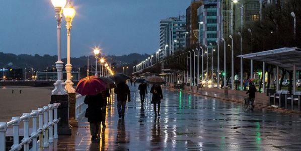 El paseo de San Lorenzo bajo la lluvia. Foto: David Álvarez López.