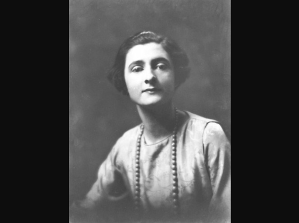 Mercedes de Acosta en 1919 o 1920. Foto: Arnold Genthe.