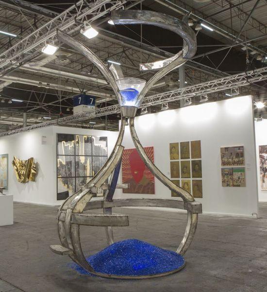 La escultura 'La memoria del vidrio' de Juan Garaizabal en ARCO.