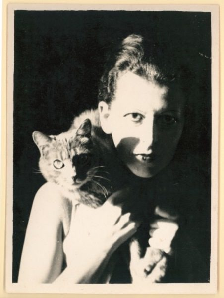La artista, escritora y fotógrafa francesa Claude Cahun /Photo courtesy of the Jersey Heritage Museum. (1927).