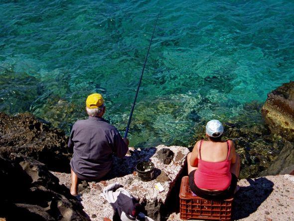 Pescadores en Santorini. Foto: Ana Estéban.