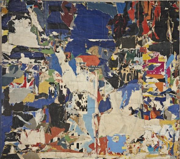 Jacques Villeglé Boulevard Saint Martin, 1959 Fragmentos de carteles encolados sobre lienzo, 222,6 x 253 cm Fondation Gandur pour l'Art, Ginebra [inv.: FGA-BA-VILLE-1] Crédito foto: © Fondation Gandur pour l'Art, Ginebra. Foto: Sandra Pointet