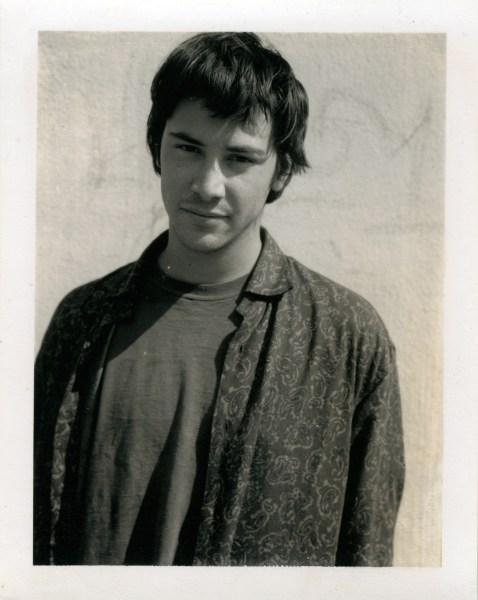 Keanu Reeves fotografiado por Gus Van Sant. Gus Van Sant, Polaroids, 1983-1999 © Gus Van Sant.