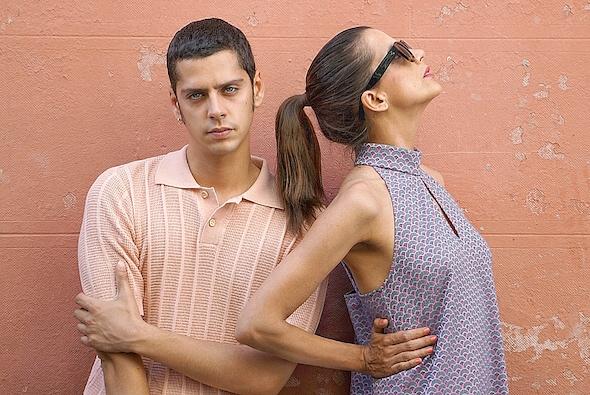Eduardo Casanova, director de 'Pieles' con Macarena Gómez, una de las actrices de la película. Foto: M. Cuéllar.