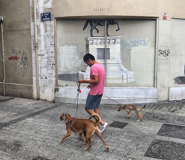 Una de las obras de la serie 'Recortes' de Escif en Valencia. Foto: M. C.