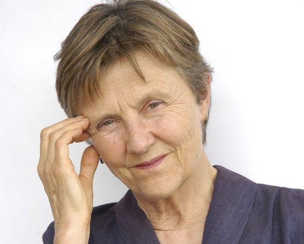 La escritora Helen Garner.