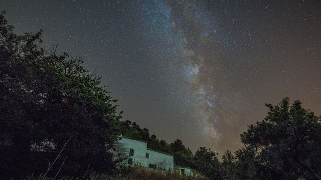 Estos días son idóneos para observar estrellas como la vía láctea . Foto: Pixbay.