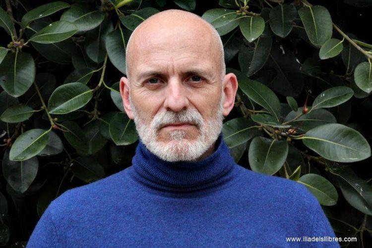 El escritor Alejandro Palomas. Foto: Illadelsllibres.com