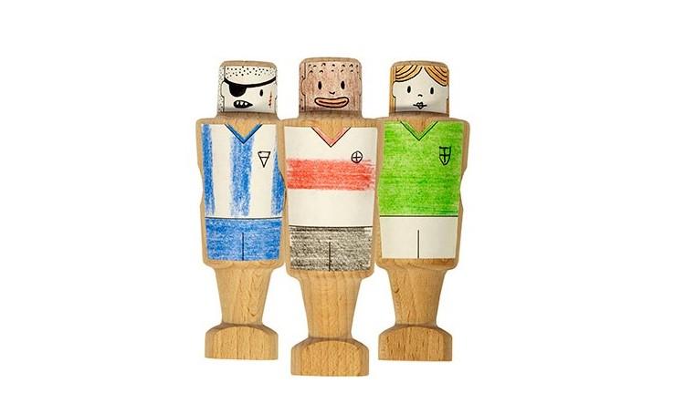 Futbolín de diseño para niños. De madera. RS Basrcelona. elastica magazine