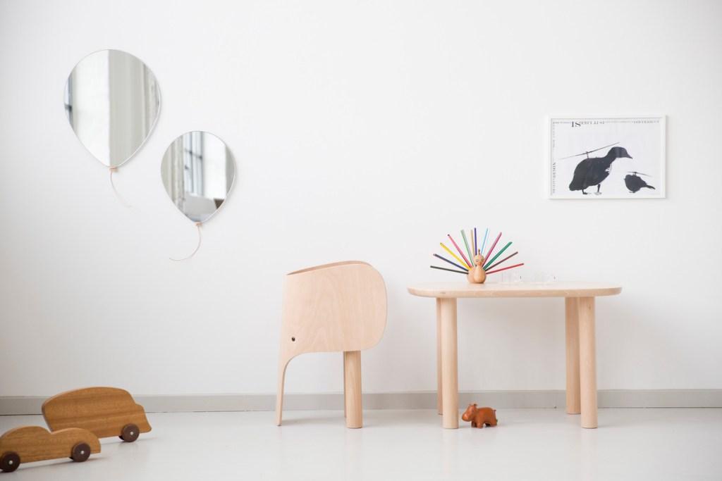 Silla y mesa ara niños con forma de elefante