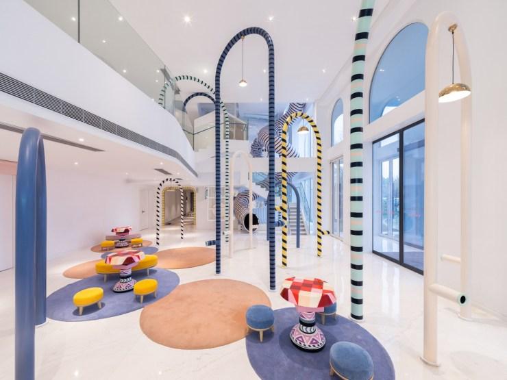 Magic Hotel en China. Hotel para niños. Tobogán cinco plantas