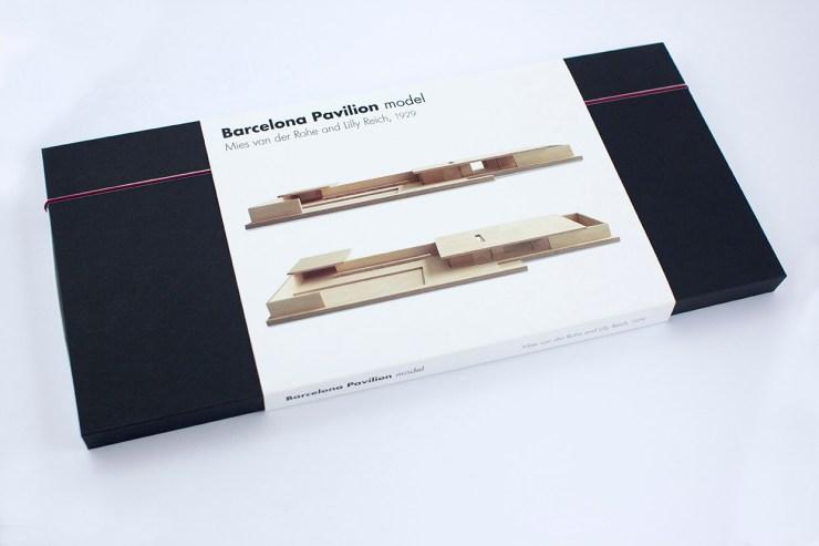 Mies Pavilion Model, de Beamalevich