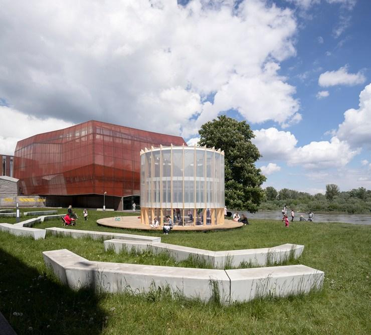 AirBubble parque infantil biotecnológico aire purificado en Polonia