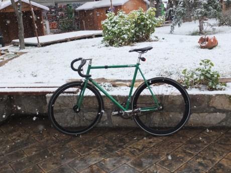 Πάμε και σε χιόνι, αρκεί να είναι λίγο.