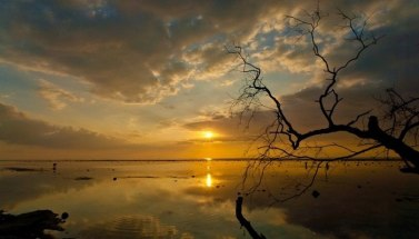 4-a-spectacular-sunset-over-the-calm-waters-of-gili-trawangan