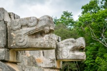 Campo do jogo de pelotas de Chichén Itzá