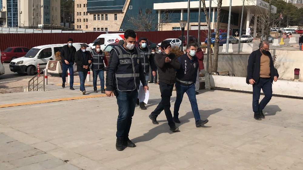 Elazığ'da aranan 3 şüpheli yakalanıp tutuklandı