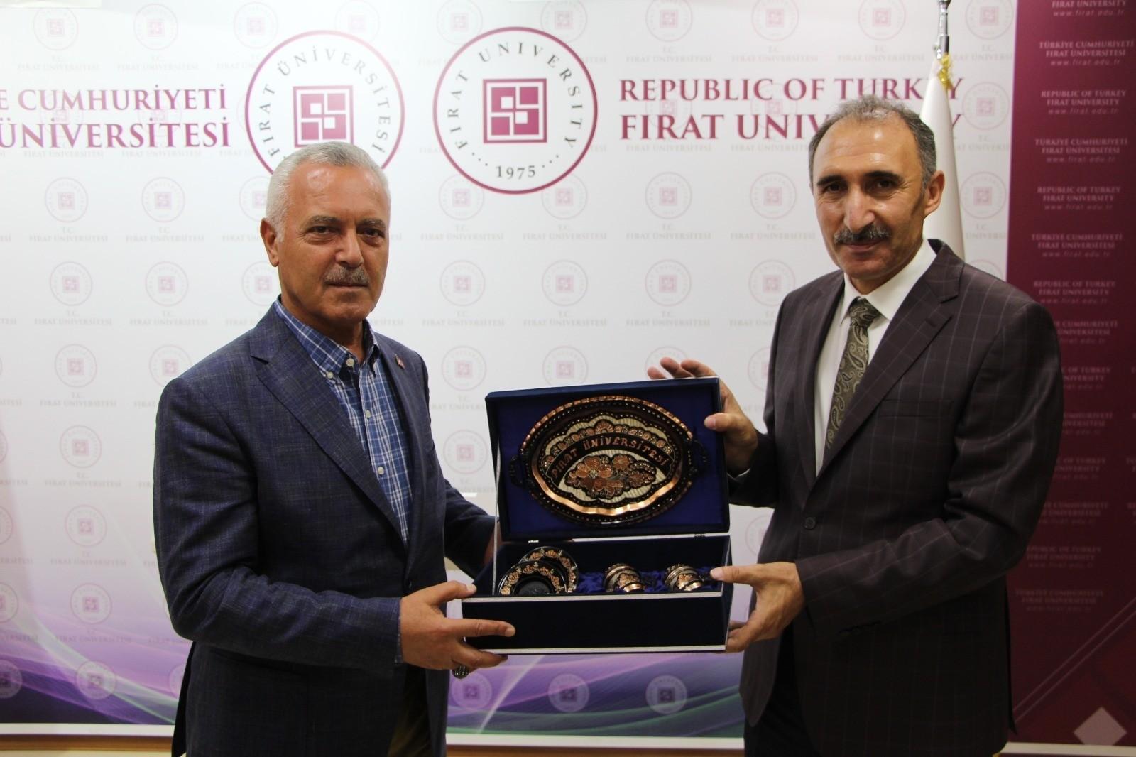 """Milletvekili Ataş: """"Fırat Üniversitesi bölgeye ciddi katkılar sağlayan bir üniversite"""""""